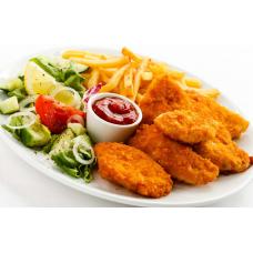 Наггетсы куриные с картофелем фри и соусом